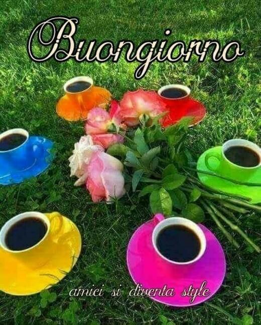 Buongiorno con le tazzine colorate