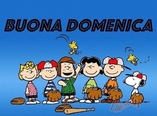 Buona Giornata e Buona Domenica con tutti i personaggi Peanuts