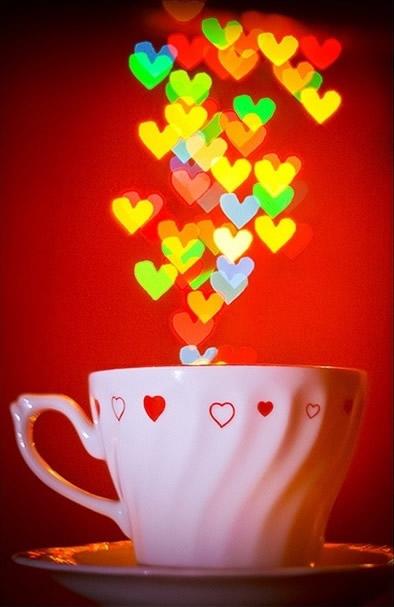 Immagini di Cuori - Tazzina del caffè con tanti cuoricini colorati